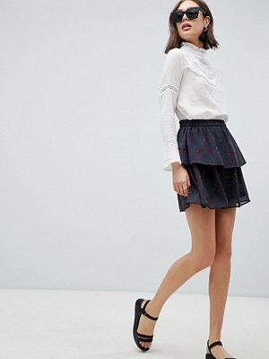 Vero Moda Floral Flippy Skirt - Asphalt