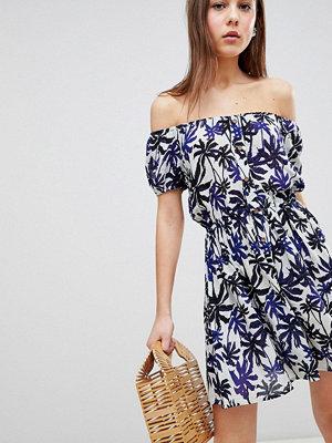 Brave Soul Zora Off Shoulder Dress in Palm Print