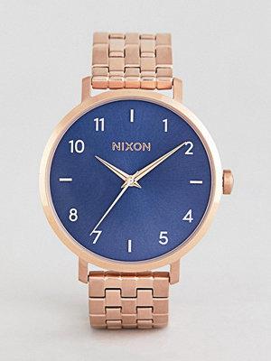 Klockor - Nixon A1090 Arrow Bracelet Watch In Rose Gold/Blue - Rose gold