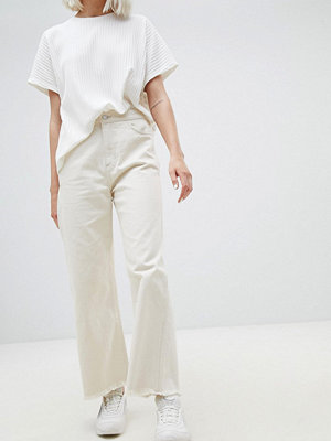 Weekday Crop Wide Leg Jeans With Raw Hem - Ecru