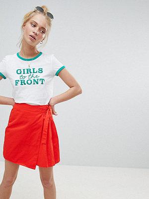 Daisy Street Kort omlottlagd kjol Korallröd