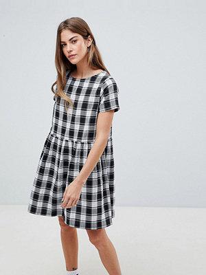 Daisy Street Smock Dress in Gingham Check - Black/white