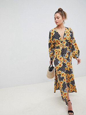 ASOS DESIGN maxi skirt in daisy spot print co-ord