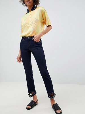 ASOS DESIGN Premium Pencil Straight Leg Jeans in Indigo with Buckle Cuff Hem - Mid blue