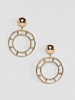 ASOS örhängen DESIGN Cut Out Circle Drop Earrings