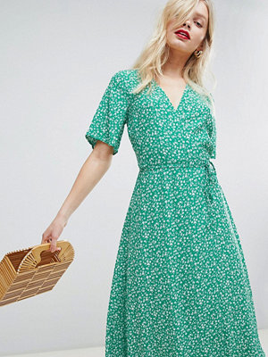 New Look Print Wrap Midi Dress - Green pattern