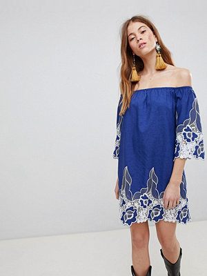 Glamorous Off Shoulder Mini Shift Dress With Contrast Floral Lace