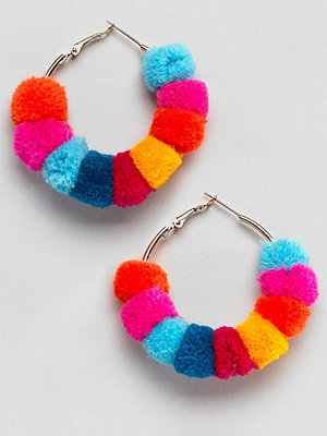 ASOS örhängen DESIGN Multicolour Pom Pom Hoop Earrings
