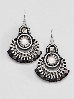 ASOS örhängen DESIGN Mono Bead And Disc Drop Earrings