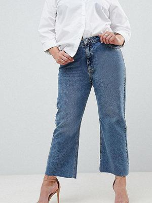 ASOS Curve ASOS DESIGN Curve Egerton rigid cropped flare jeans in vintage mid wash - Vintage mid wash