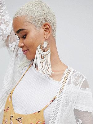ASOS örhängen DESIGN Statement Macrame Woven Dreamcatcher Earrings