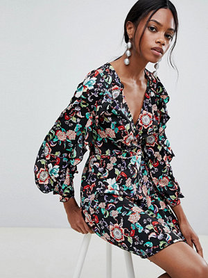 Liquorish Printed Mini Dress With Puff Sleeves And Open Back