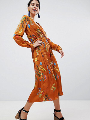 Liquorish Printed Satin Midi Dress With Pleated Skirt