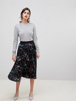 Liquorish Printed Pleated Midi Skirt