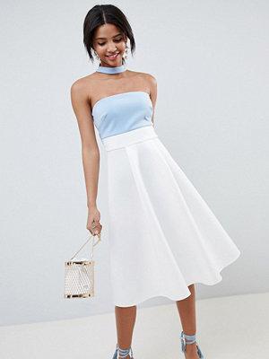ASOS DESIGN colourblock choker prom dress - Ivory/blue