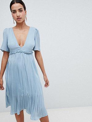 Boohoo Pleated Midi Dress