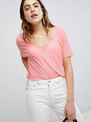 Brave Soul Rhonda T-shirt med rund halsringning Ljuskorall