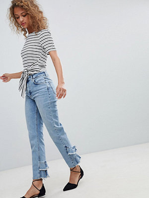 Miss Selfridge Raka jeans med volang baktill Light auth