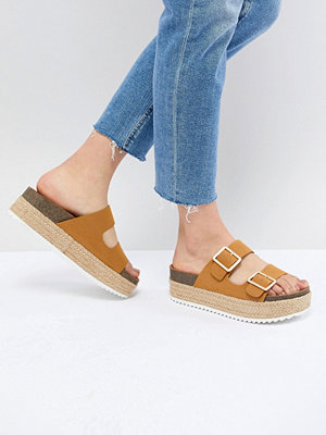 Pull&Bear flatform double buckle sandal in tan - Tan