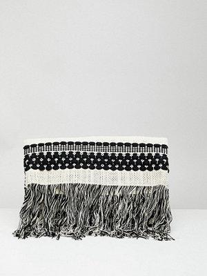 French Connection kuvertväska Knitted Tassel Clutch Bag - Black/white