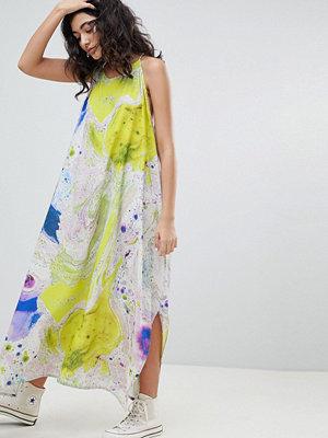 Weekday drape volume dress in marble print in print - Print