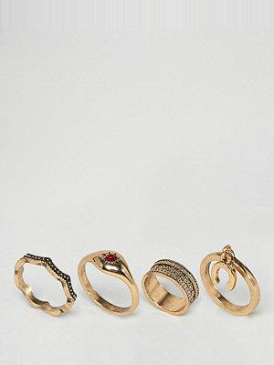 Sacred Hawk horseshoe ring multipack