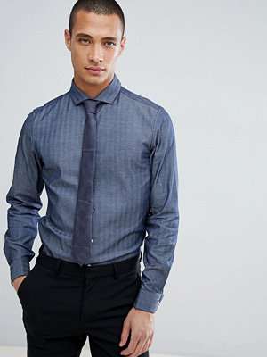 ASOS DESIGN slim herringbone with double cuff & cutaway collar
