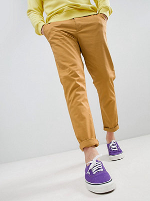 ASOS DESIGN Tapered Chinos In Mustard - Wood thrush