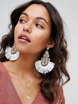 ASOS örhängen DESIGN Embroidered Tassel Earrings