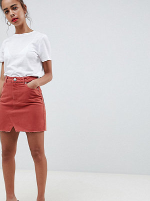 ASOS Petite ASOS DESIGN Petite denim pelmet skirt in rust - Rust