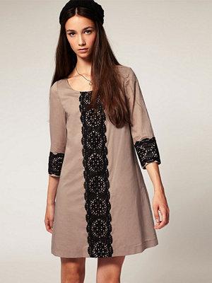 Twist & Tango Crochet Panel Dress - Oyster