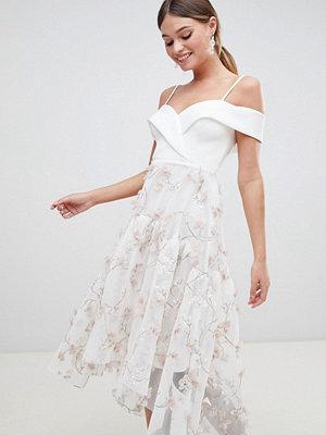 ASOS DESIGN premium 3d floral prom dress - Ivory
