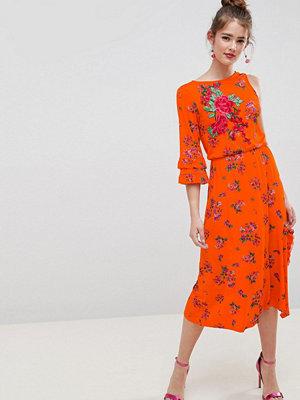 ASOS DESIGN rose applique midi tea dress in floral print - Floral print