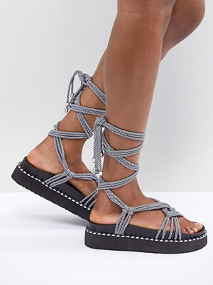 ASOS DESIGN Fighting Talk Chunky Flat Sandals