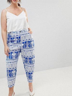 ASOS Curve ASOS DESIGN Curve balloon leg boyfriend jeans in tile print - African print