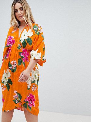 ASOS Curve ASOS DESIGN Curve kimono midi dress in bold floral jacquard - Floral