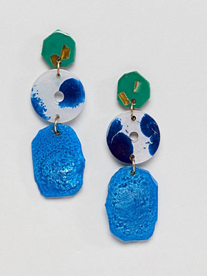 ASOS örhängen DESIGN Asymmetric Resin Shape Drop Earrings
