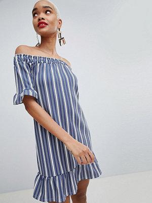 PrettyLittleThing Striped Bardot Ruffle Hem Dress - Navy and white