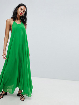 Missguided Pleated Low Back Maxi Dress