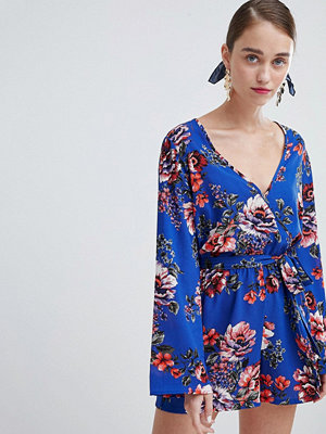 New Look Flare Sleeve Floral Playsuit - Blue pattern
