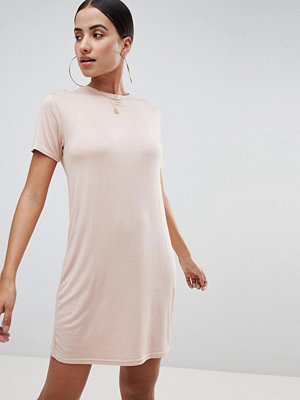 PrettyLittleThing T-Shirt Dress - Nude