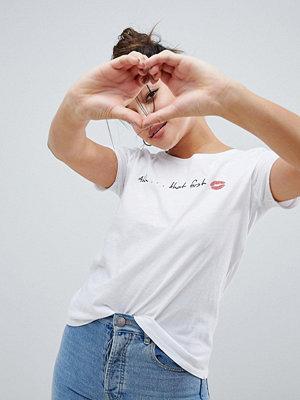Only First T-shirt med kyssmotiv