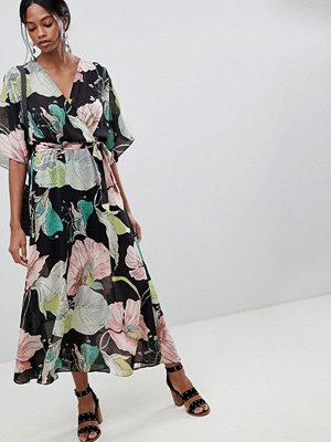 Liquorish Floral Kimono Sleeve Maxi Dress With Open Back