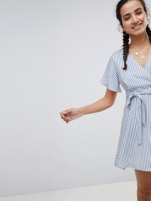 PrettyLittleThing Striped Tie Side Mini Dress - Navy and white