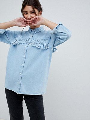 ASOS DESIGN Blå denimskjorta med fransar Blå tvätt