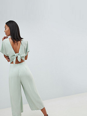 Missguided Tall Jumpsuit i chiffong med öppen rygg Salviagrön