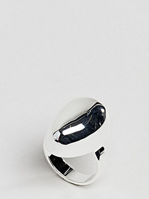 ASOS Curve ASOS DESIGN Curve Silver Plated Fluid Ovoid Shape Ring