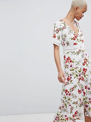 PrettyLittleThing Floral BRoderie Insert MIDI Dress
