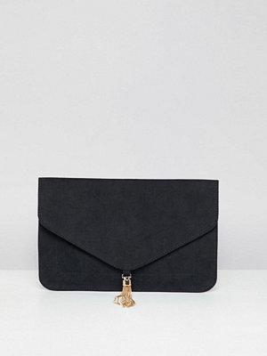 ASOS kuvertväska DESIGN tassel clutch bag