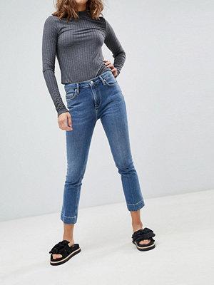 BETHNALS Clementine Korta Bootcut-jeans Mellanblå